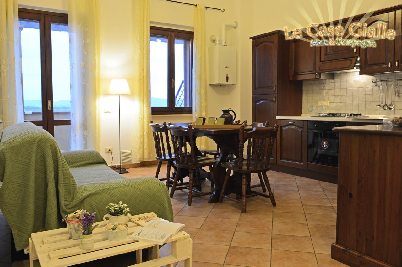 Case Toscane Interni : Foto interni appartamento trilocale le case gialle maremma